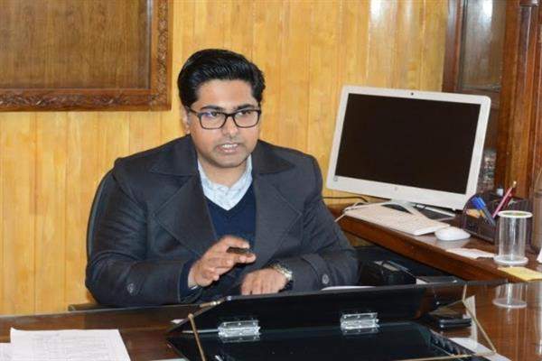 DC Shopian urges people to register for PMJAY